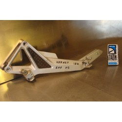 Soporte reposapies izquierdo Hornet CB600F 05