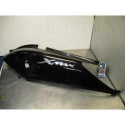 Bajo asiento izquierda X-Max 125 07